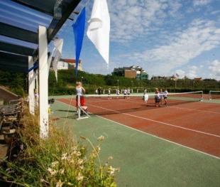Lees meer over ons Tennisschool